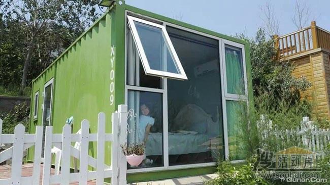 绿色的集装箱客房