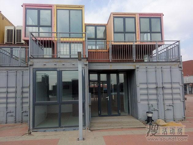 北塘海鲜一条街的集装箱改装的酒店