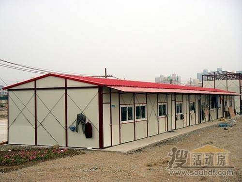 我们在南昌小蓝工业园搭建的小彩钢房