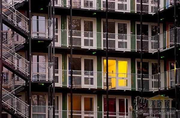 给穷人居住的集装箱公寓