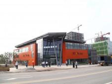 重庆集装箱模块化建筑变身体验馆 领导都来参观