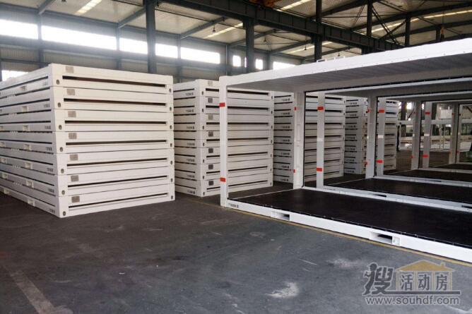 打包箱式房的框架可以叠加在一起,运输量大