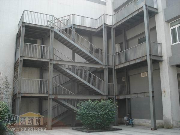 天津钢结构楼梯焊接