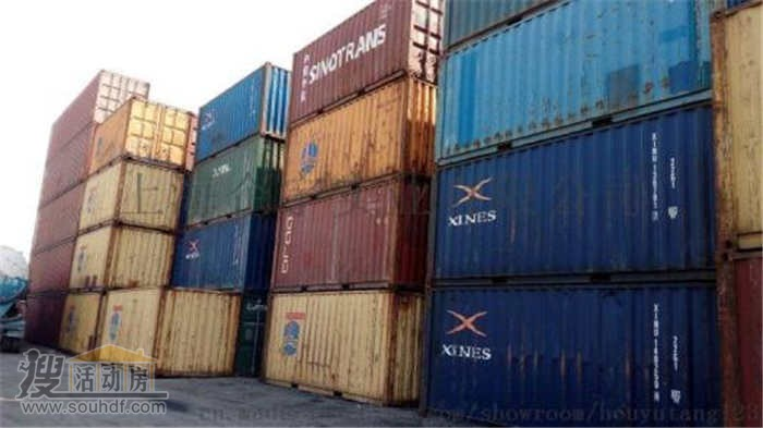 天津港的二手集装箱