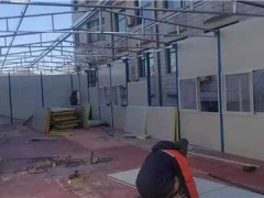 哪有卖二手彩钢房的 工地工人当作宿舍用